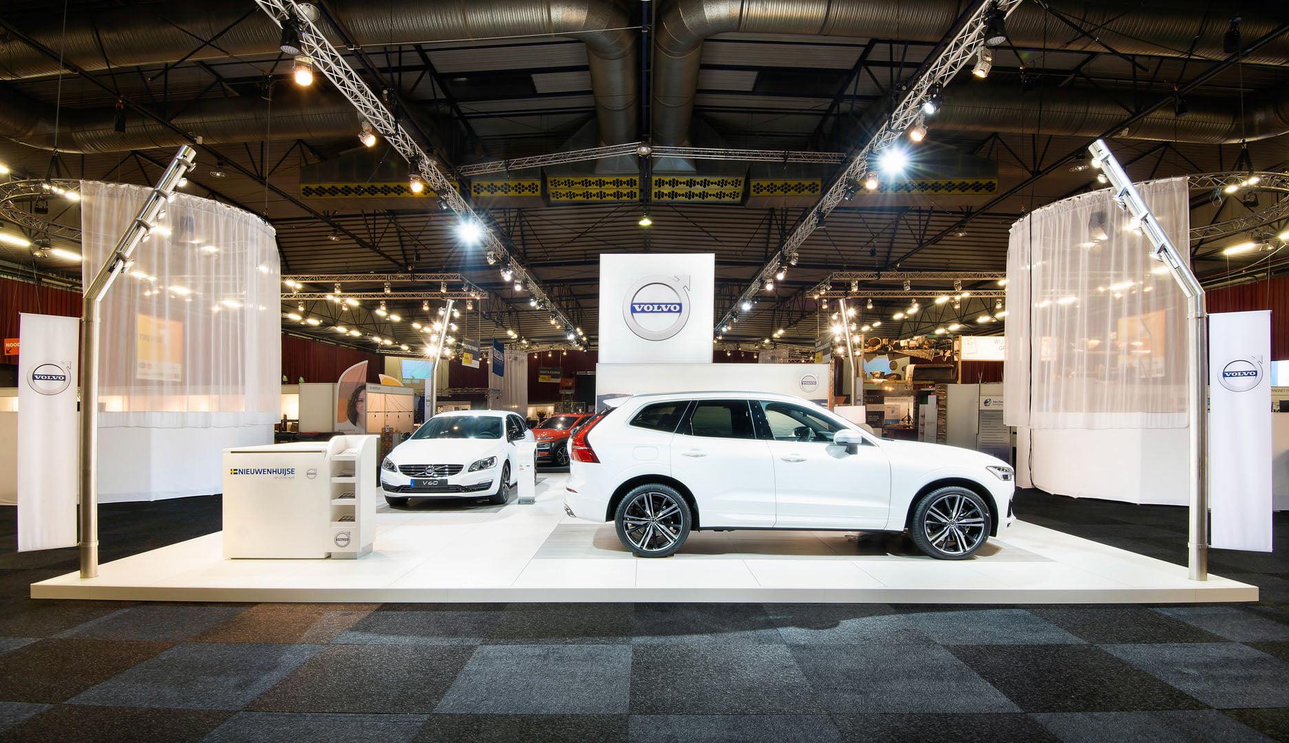 17-3263 Volvo - Wit Design